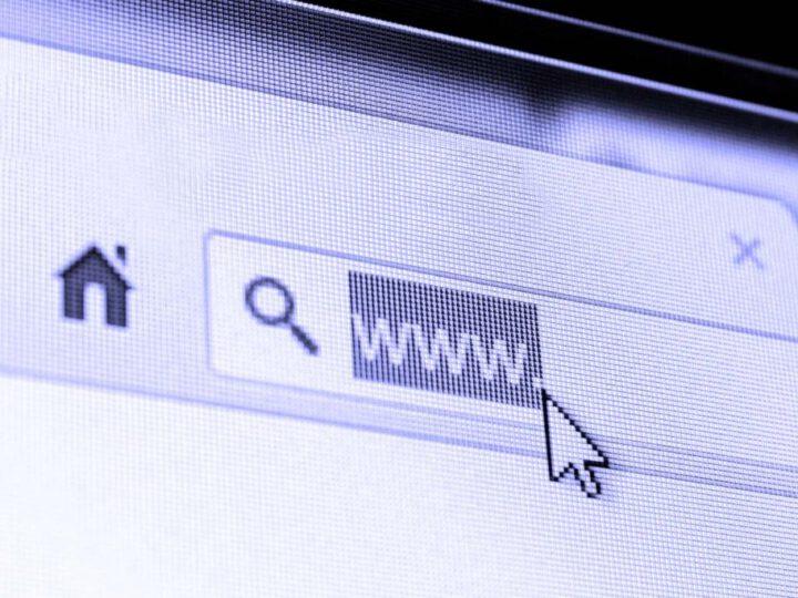 הניו יורק טיימס והגרדיאן: אתרי אינטרנט מהגדולים בעולם קרסו