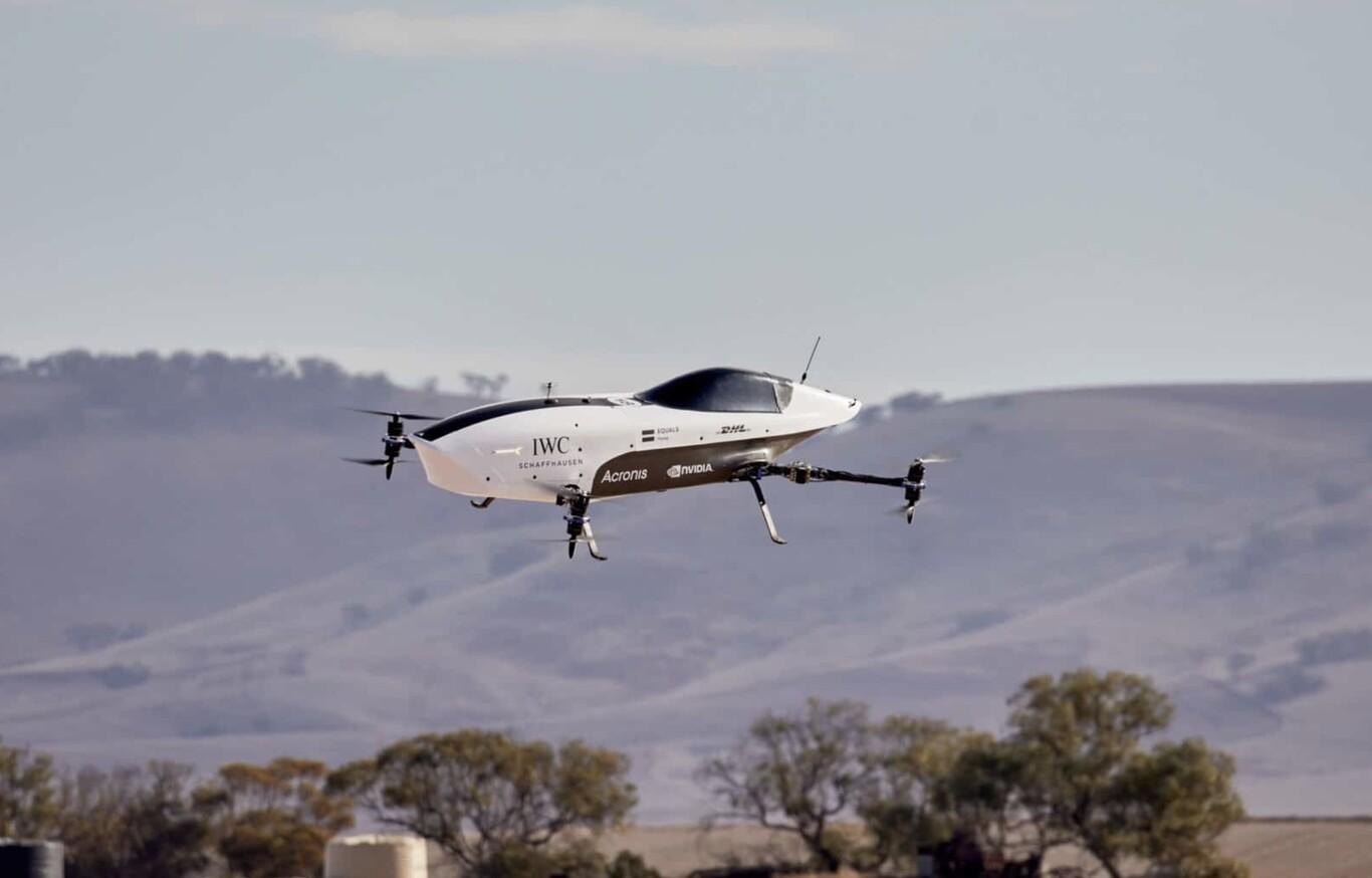 ספידרס, שנחשב למכונית המרוץ המעופפת הראשונה, מבצע טיסת בכורה